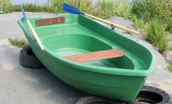 дерево пластиковые лодки