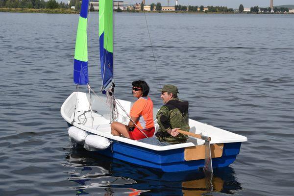 лодки на плотинке в екатеринбурге